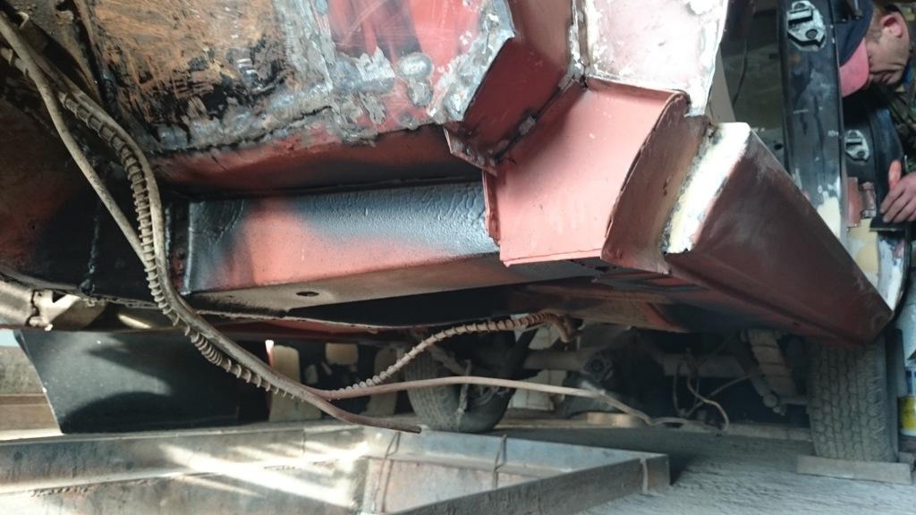 Елементи основи кузова зварені вручну з листового металу по розгорткам і шаблонам